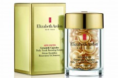 En la imagen, Advanced Ceramide Capsules Daily Youth Restoring Eye Serum de Elizabeth Arden.